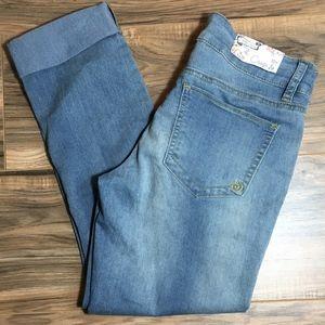 Indigo Rein Crop Pants. Size 5.  Second Skin.  NWT